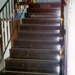 Impala gránit lépcső