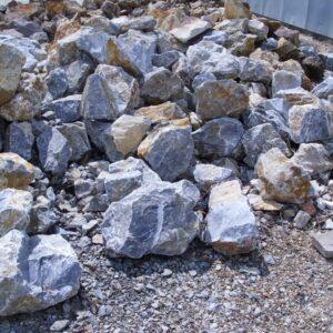 Szürke sziklakerti kő